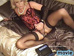 Sexycrossdresser Kim playing with her hard cock