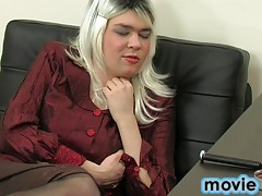 Freaky doc realizes her male patient's fantasies about female domination